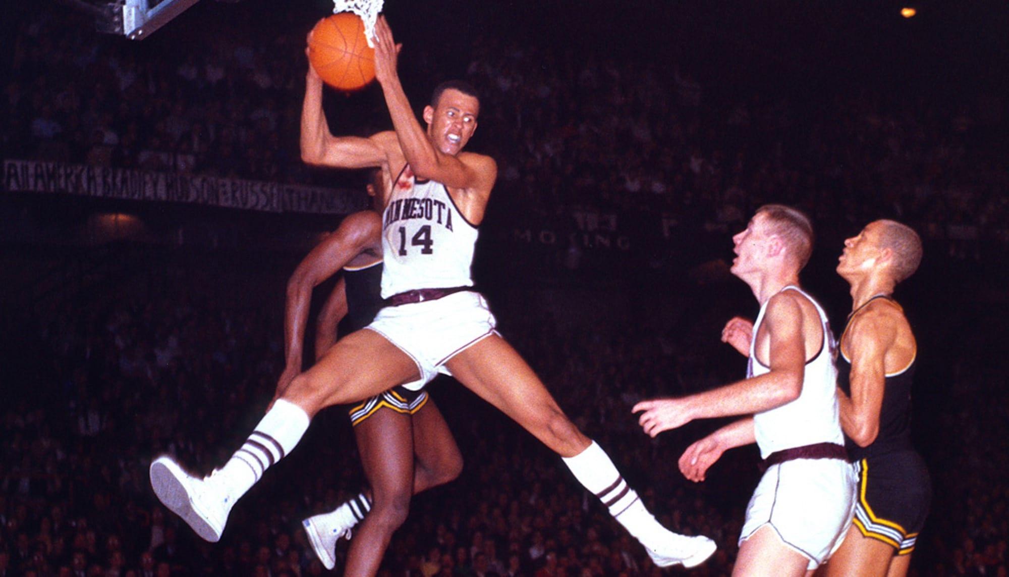 NBA legends Lou Hudson — We Are Basket